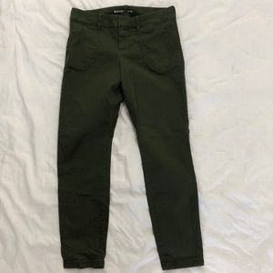 Old Navy olive pixie pants size 2